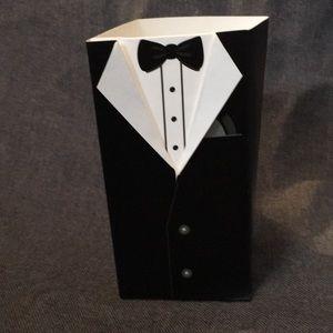Other - 👰🏼 tuxedo gift boxes